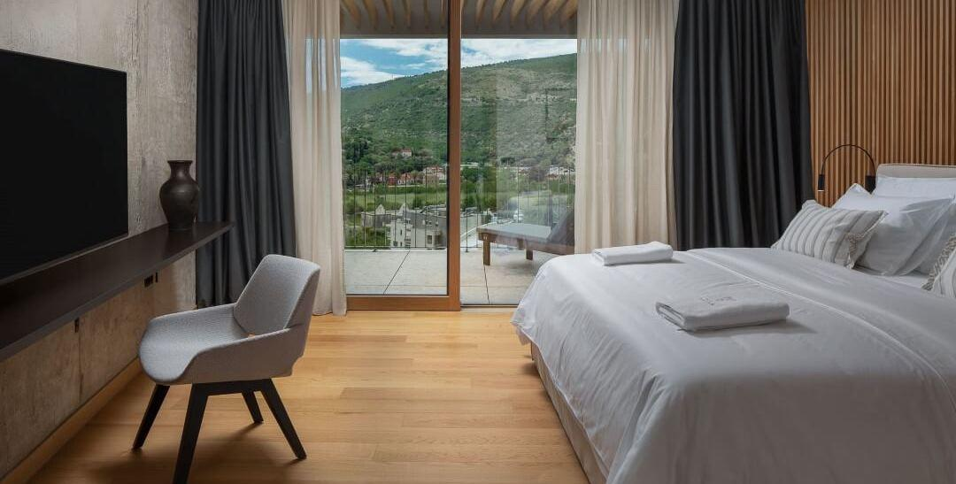 Bedroom villa in Dubrovnik with a pool